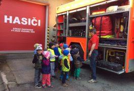 Návštěva u hasičů – MŠ Žďárská